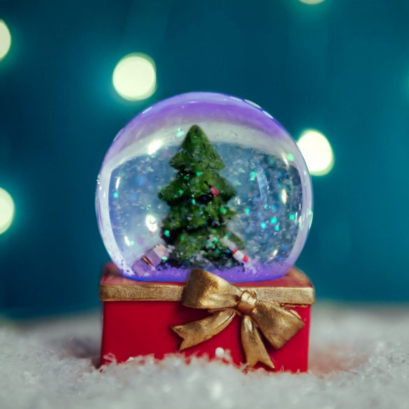 Karácsonyi LED-es hógömb - 4 féle - 8 db / display  58061B